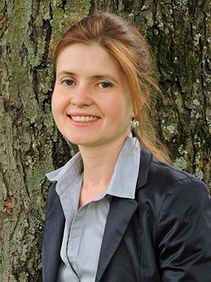 Dr. Anna Tessmann